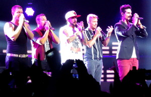 "Backstreet Boys: Nick Carter, Howie D, AJ McLean, Kevin Richardson e Brian Littrell se apresentam no Citibank Hall, em São Paulo, com a tour ""In a World Like This"""