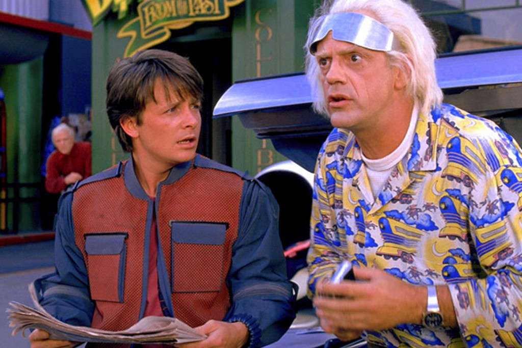 Michael-J-Fox-e-Christopher-Lloyd-em-De-Volta-Para-o-Futuro-Parte-2-Back-To-The-Future-Part-II